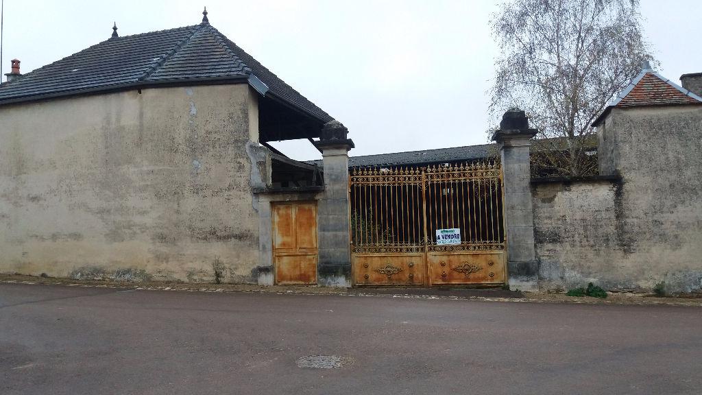 Corps de fermme proche de Châtillon sur seine   21330 cote d'or avec terrain et dépendances