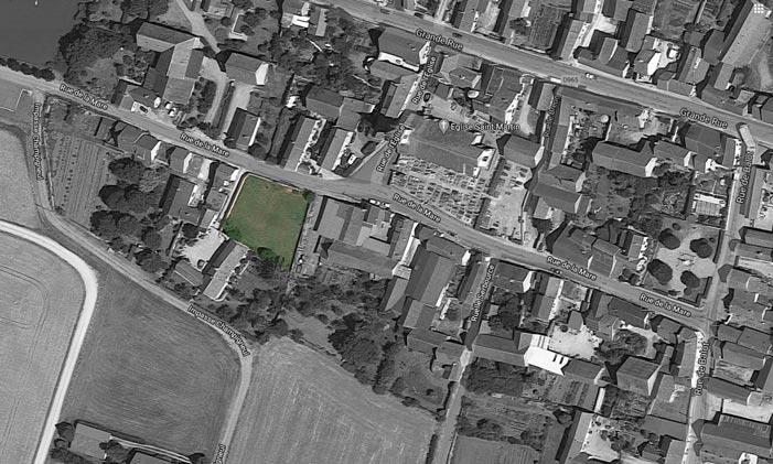 Terrain constructible clôt ( 1050  m²) avec deux entres proche de Châtillon sur seine 21400 cote d'or