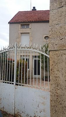Maison de village   de 140m² avec cour et petit terrain 21400 cote d'or  proche de Châtillon sur seine