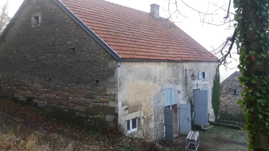 Maison d'habitation avec  grange  et terrain  proche de Recey sur ource 21290 cote d'or