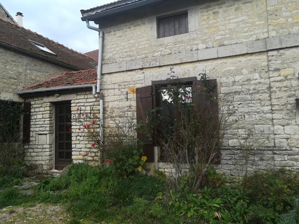 Maison à Larrey  21330 cote d'or de 105m² avec terrain et dépendance.