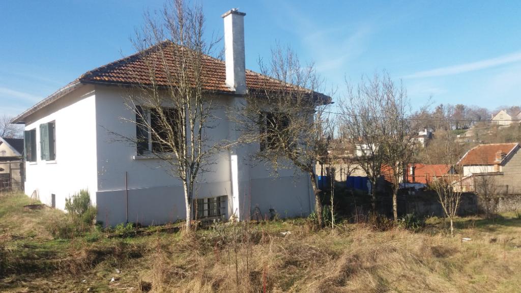 Maison de 65m² a rafraichir avec terrain de 1200m² et garage