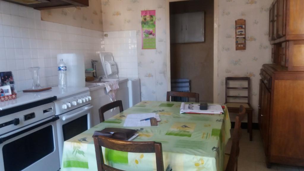 Maison  au centre de village  de 105 m² avec cour ,garage 21330 laignes cote d'or