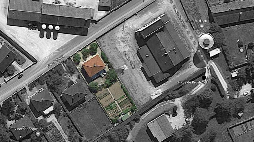 Châtillon sur seine  21400 cote d'or Pavillon  de 1969 avec sous sol ,terrain et dépendance
