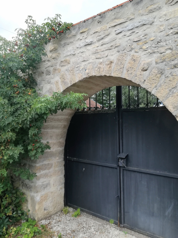 Maison Montliot Et Courcelles 5 pièce(s) 135 m2. Proche Châtillon-sur-Seine 21400 Côte-d'Or, ville tous commerces et services.