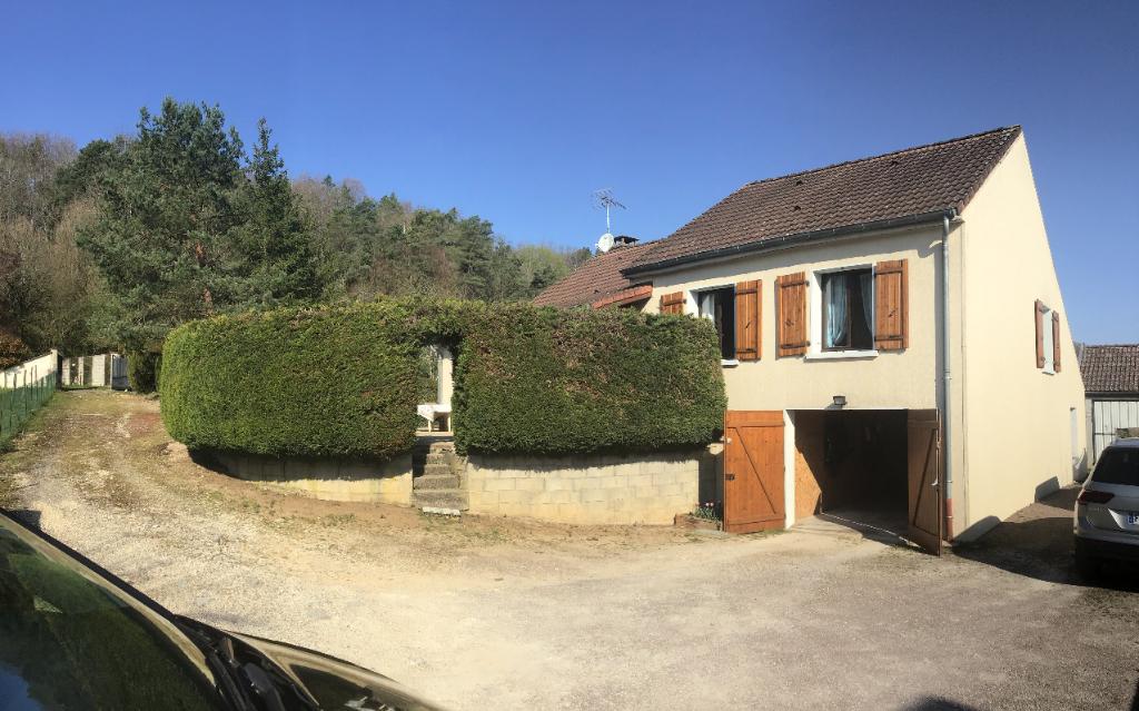 Cote d'or 21400   Aisey sur seine .Maison de campagne avec terrain clôs, sous sol , garage et dépendance sur 2300 m² sans travaux.