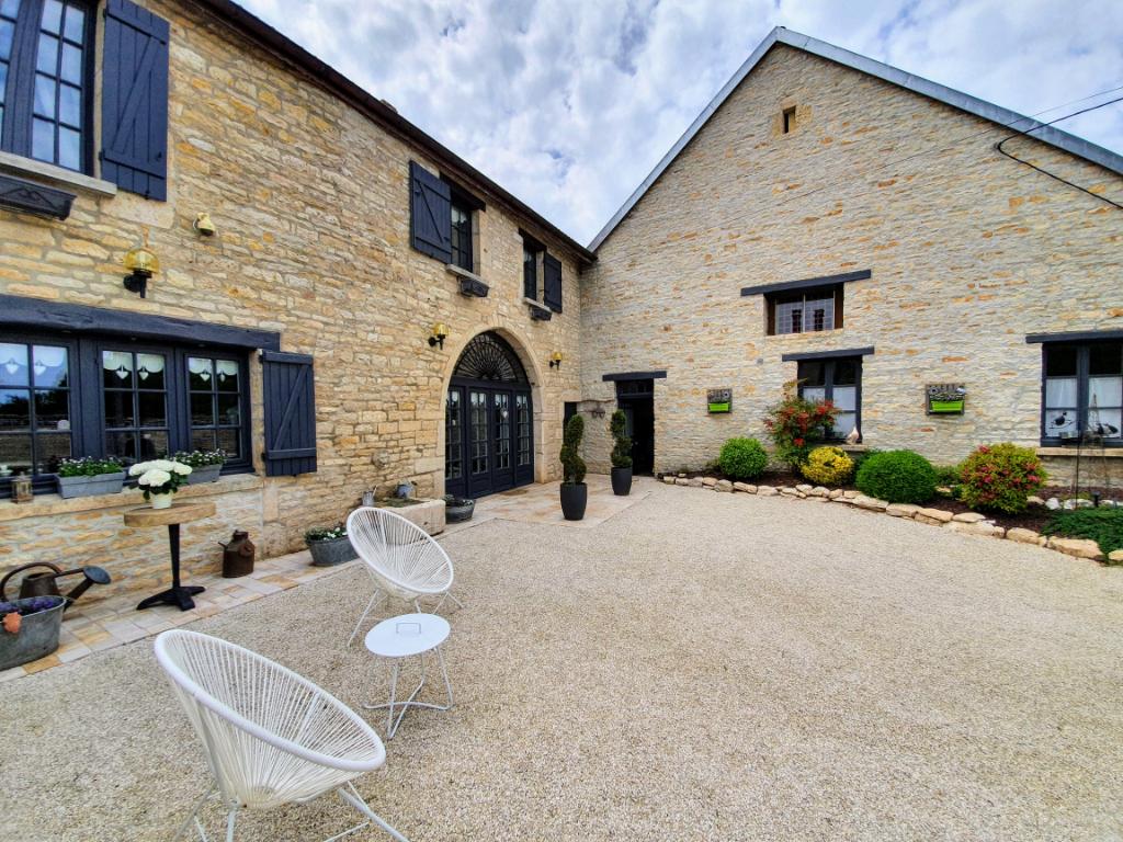 Maison de Bissey la Côte (21520 Côte d'Or) Maison de campagne 7 pièces entièrement rénovée avec terrain. campagne