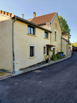 Chamesson (21400 Côte-d'Or) Maison 5 pièces avec terrain.