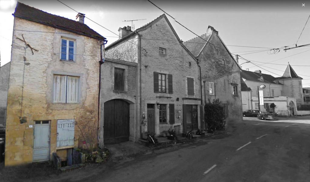 21450 Baigneux-les-Juifs (Côte d'Or). Maison avec gros travaux à restaurer.