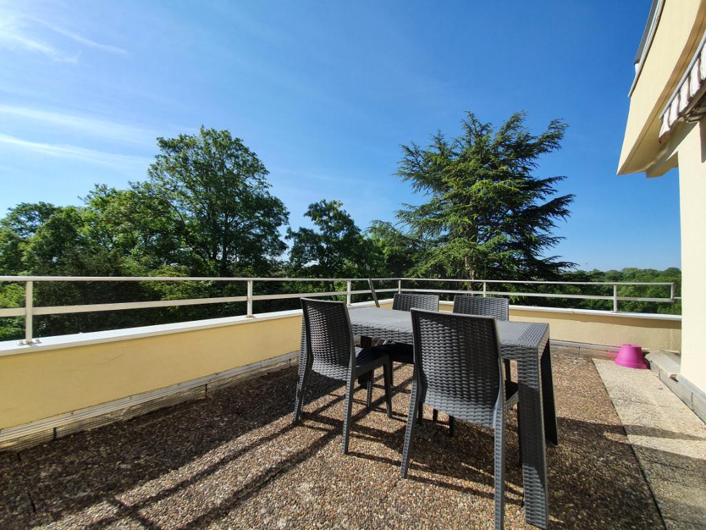 Châtillon-sur-Seine (21400) Appartement 67 m² avec terrasse, balcon garage et cave. Résidence Plein soleil.