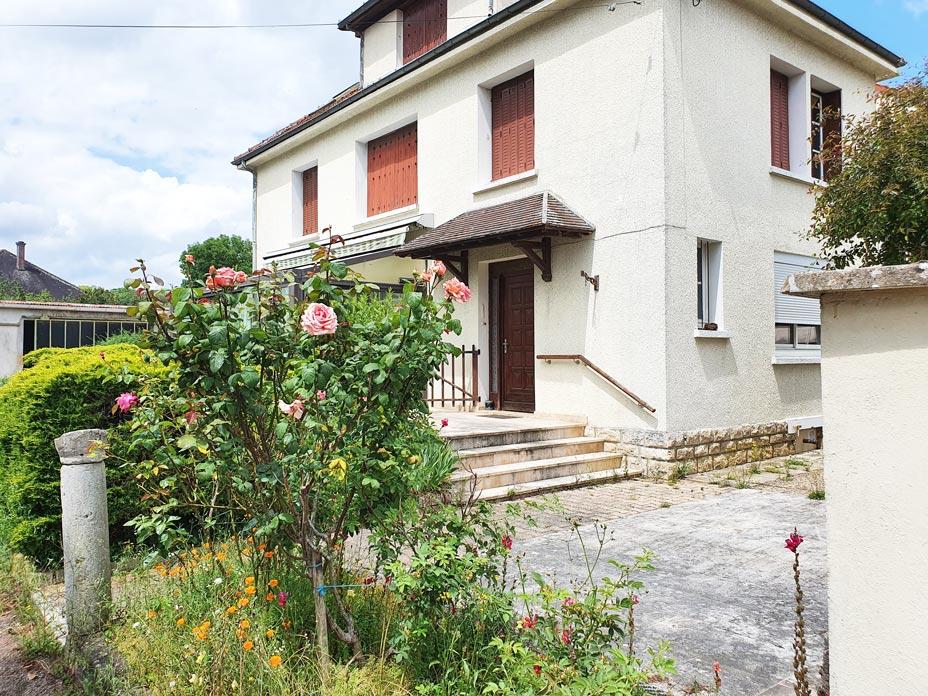Châtillon sur seine  21400 cote d'or Maison 135 m² avec terrain et dépendances, 7 mn du centre-ville, Châtillon-sur-Seine (21400 Côte-d'Or)