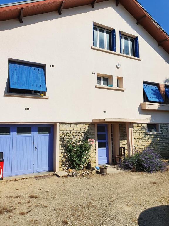 Vix 21400 (Côte d'Or). Maison 4 chambres avec terrain et dépendances proche Châtillon-sur-Seine