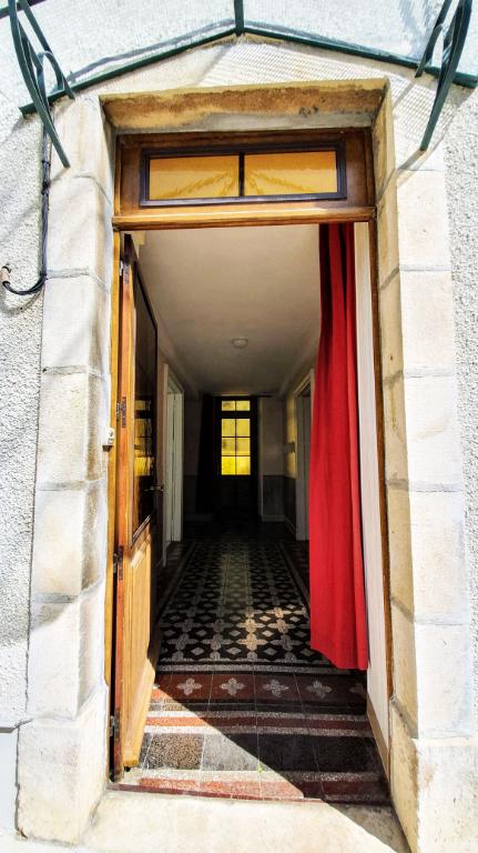 Châtillon-sur-Seine (21 Côte-d'Or) plein centre-ville, Maison 5 pièces 130 m² avec cours closes.