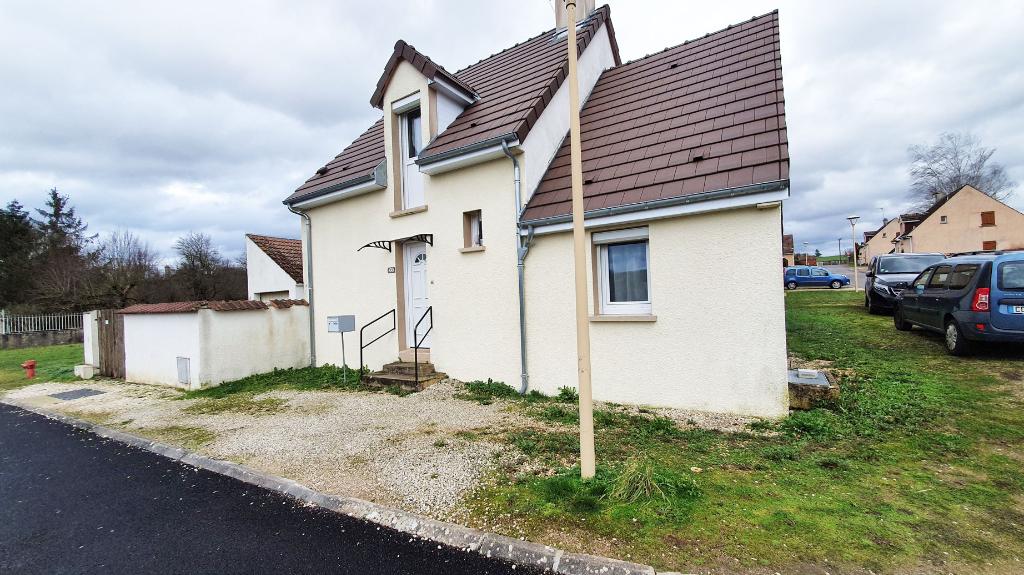Maison Chamesson 5 pièce(s) 85 m2