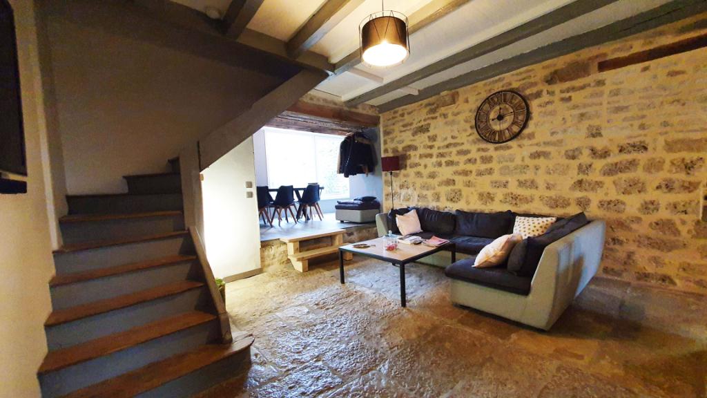 21330 Poinçon-lès-Larrey (Côte-d'Or) Maison 6 pièces, 4 chambres avec garage et terrain, proche Châtillon-sur-Seine.
