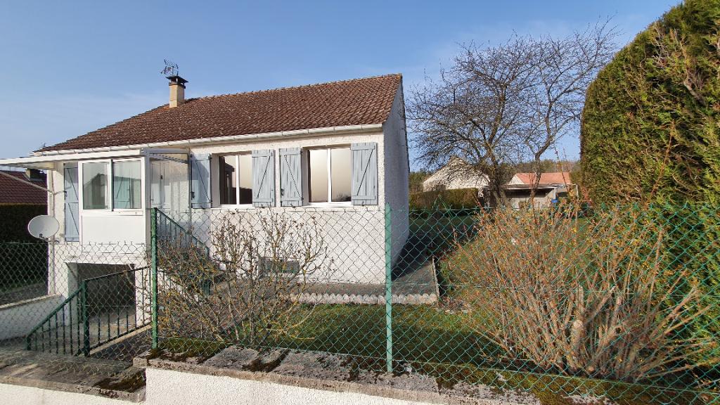 Buncey (21400) cote d'or , 6 pièces 5 chambres avec terrain clos 800 m² et garage.