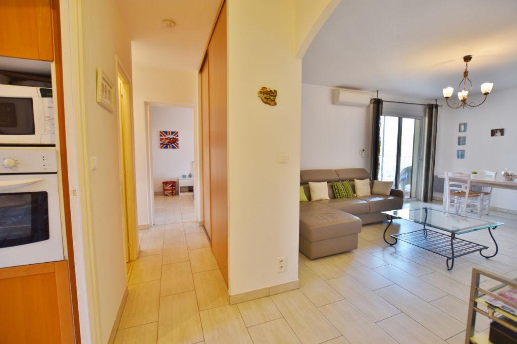 Appartement T3 rénové en dernier étage