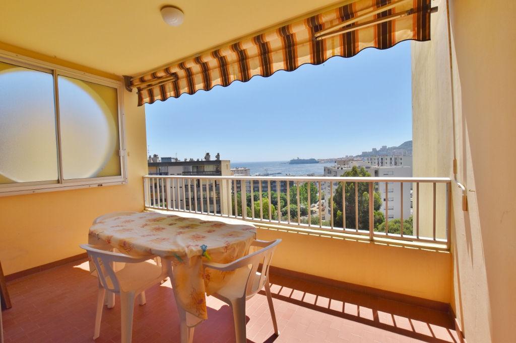 PIETRALBA F3 avec terrasse et belle vue mer