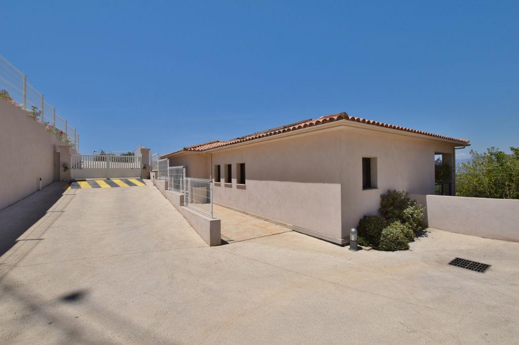 PORTICCIO Duplex F3 récent avec terrasse vue mer, jardin et garage