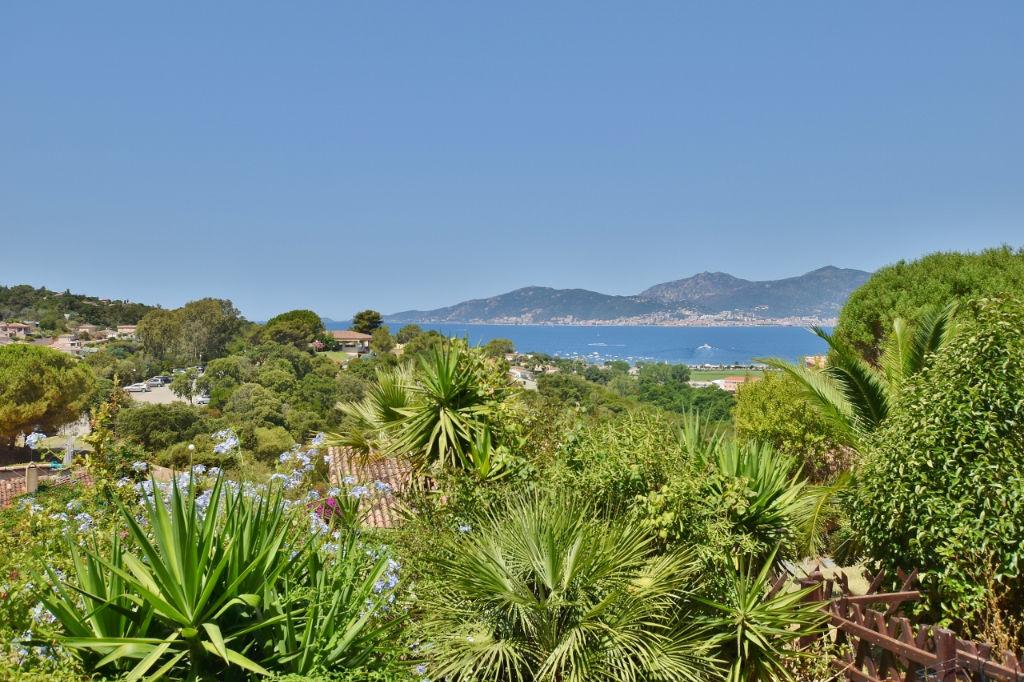 PORTICCIO Studio vue mer avec terrasse et jardinet