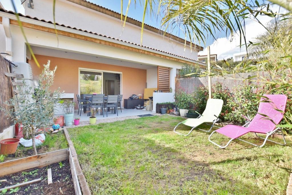 AJACCIO Ravissant Duplex F3 récent avec jardinet