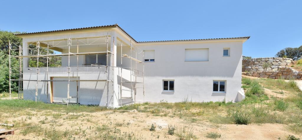 PROCHE AJACCIO villa F5 + garage