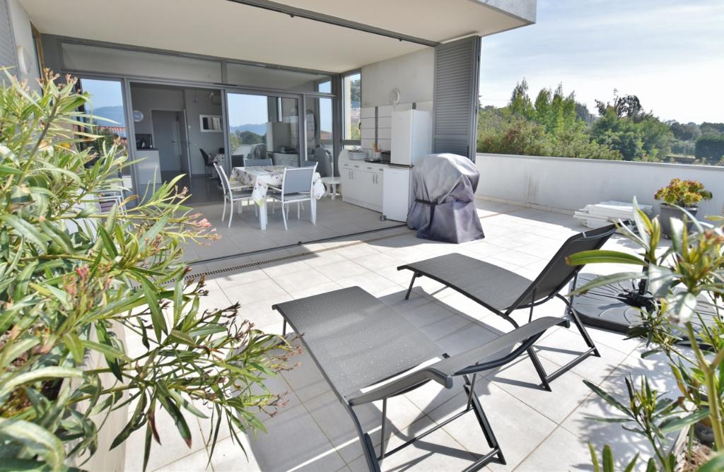 PORTICCIO - T4 récent avec vaste terrasse et jardin