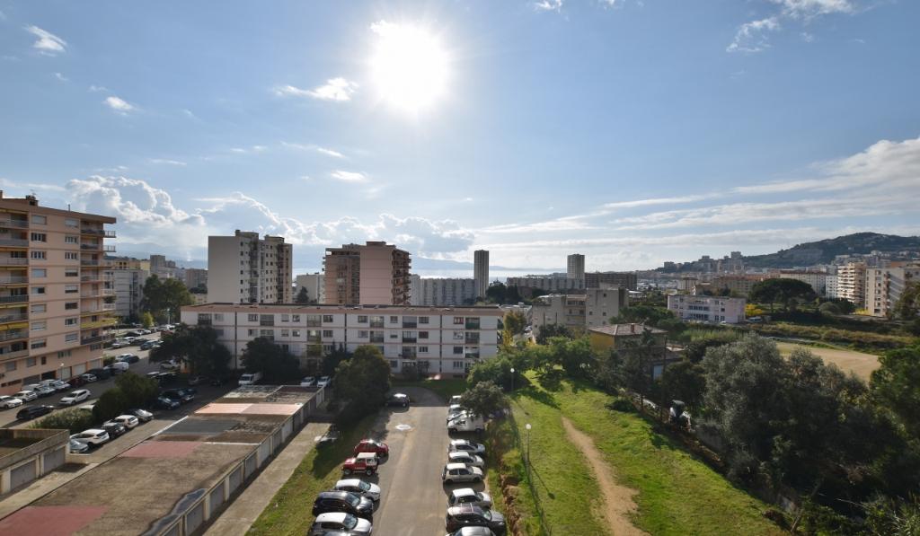 AJACCIO Centre ville - Superbe T3 récent