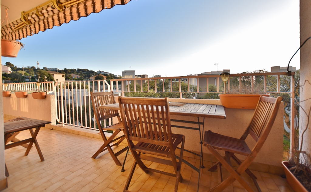 AJACCIO Pietralba Charmant T3 avec vaste terrasse