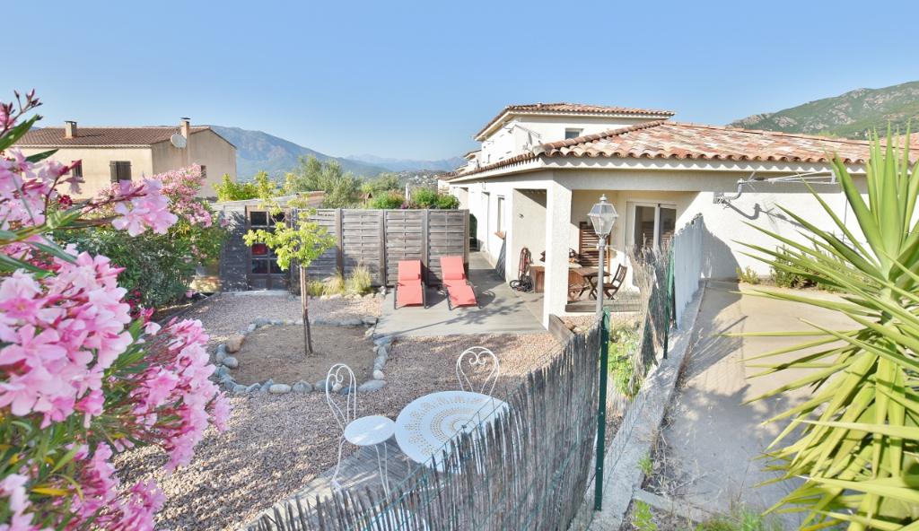 PROCHE AJACCIO Mini Villa F2 jumelée avec jardin