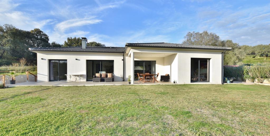 PROCHE AJACCIO Superbe Villa F5 220m²