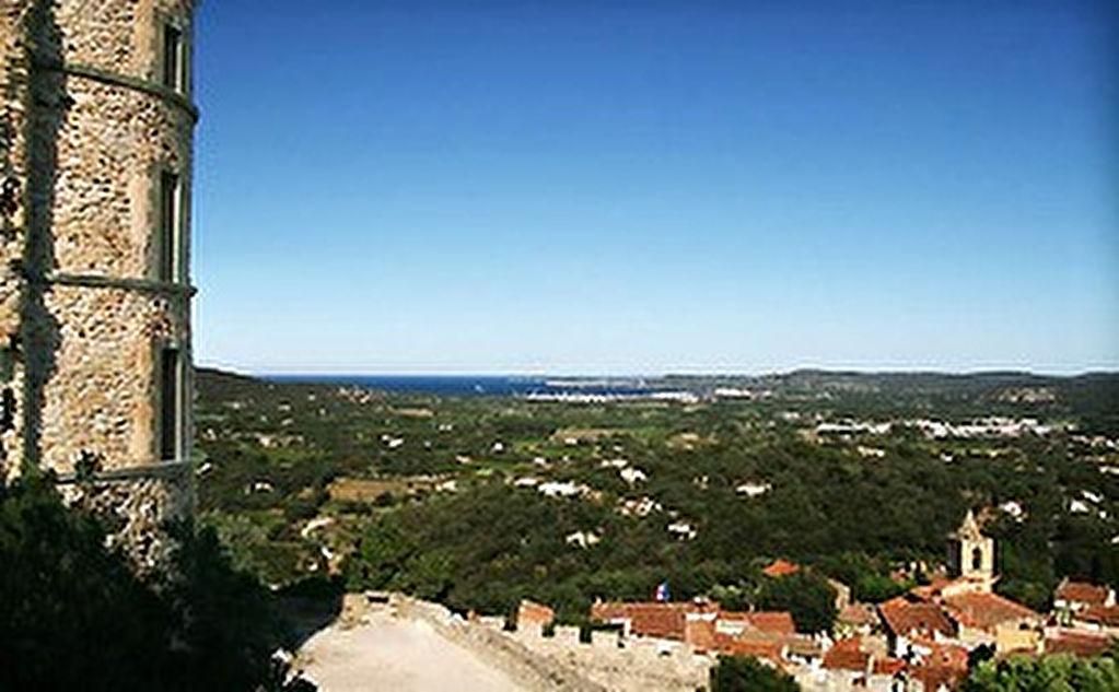 Terrain 15000 m2  avec Mas Provençal de 400m2 , Grimaud
