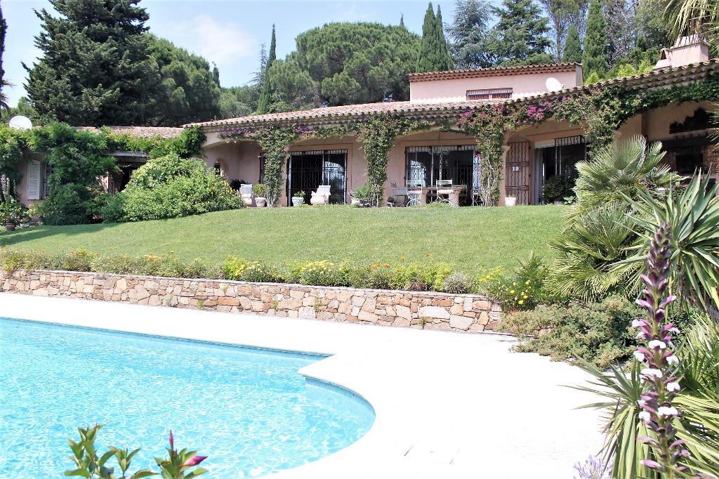 Villa Gassin 7 pièce(s) 260 m2 sur un terrain de 2 hectares