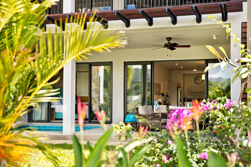 Appartement et duplex  de 125 à 517 m² pieds dans l'eau dans une marina résidentielle.