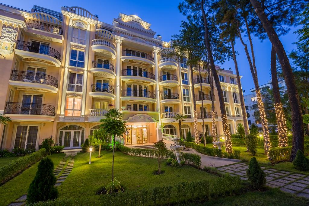 Offrez-vous un appartement de luxe dans une résidence de rêve à petit prix sur le littoral sud de la Mer Noire !