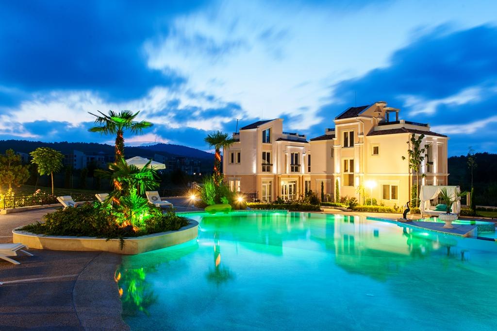 Villa remarquable par son luxe, son élégance et son style sophistiqué!