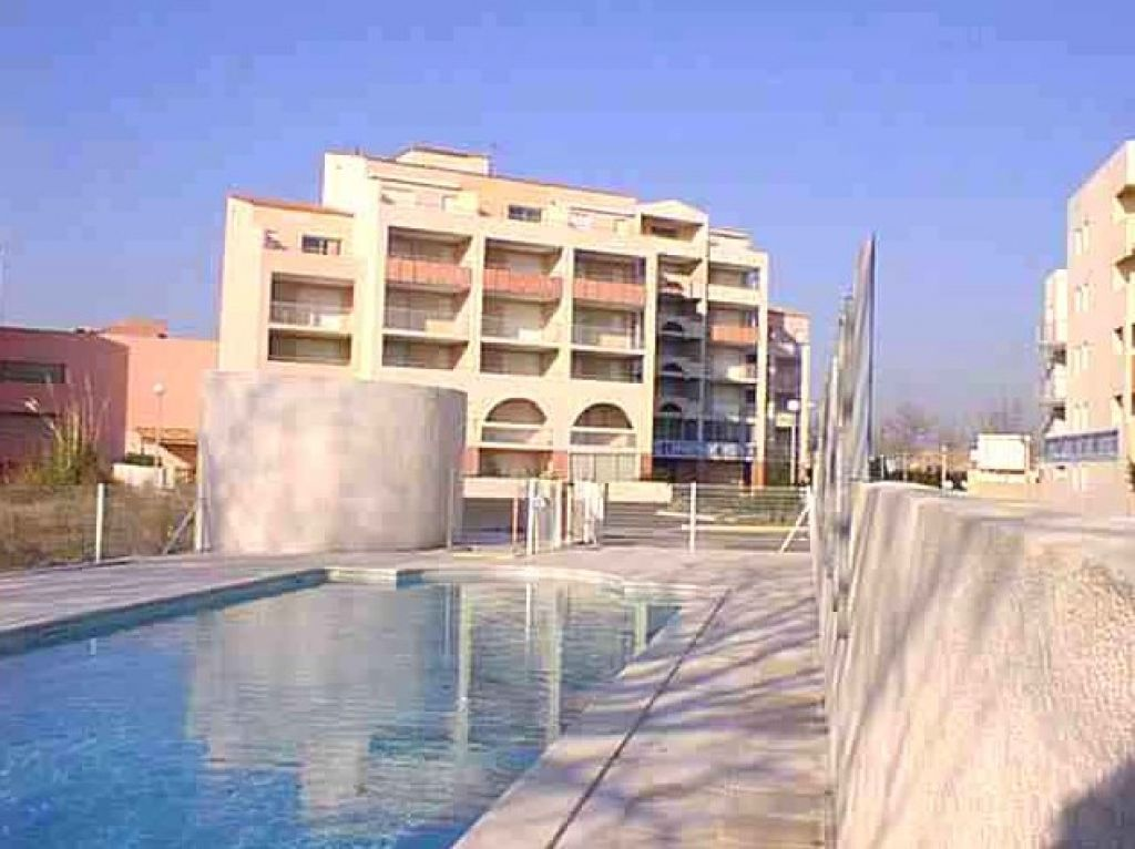 ref 605 /367appartement 2 pieces + cabine au Cap d'agde bord de mer