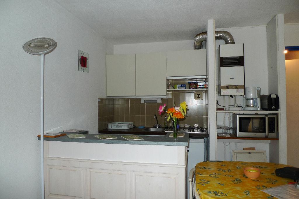 appartement de type deux pieces + cabine rez de chaussee T.H.