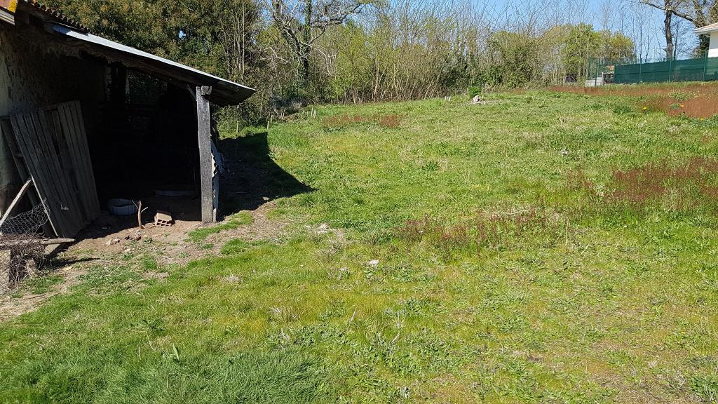 Terrain Cassen 1400 m2
