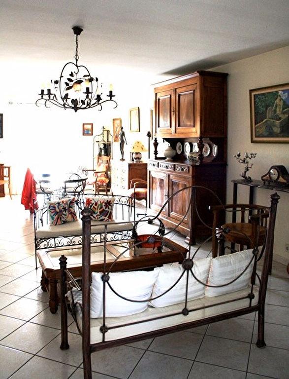 St Hippolyte Villa T5 de 140 m²