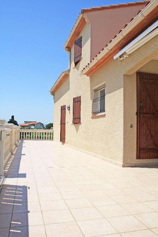 Belles prestations villa T6 4 faces sur 838 m² clos