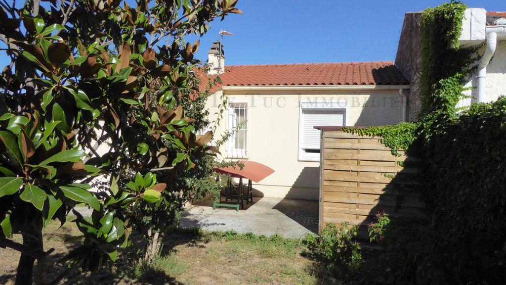Villa 3 faces sur 361 m² de terrain