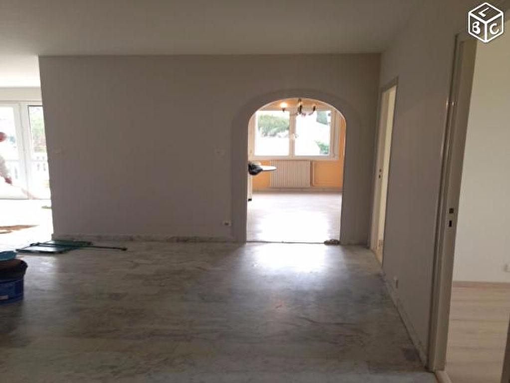 Appartement 84400 5 pièce(s) 105 m2