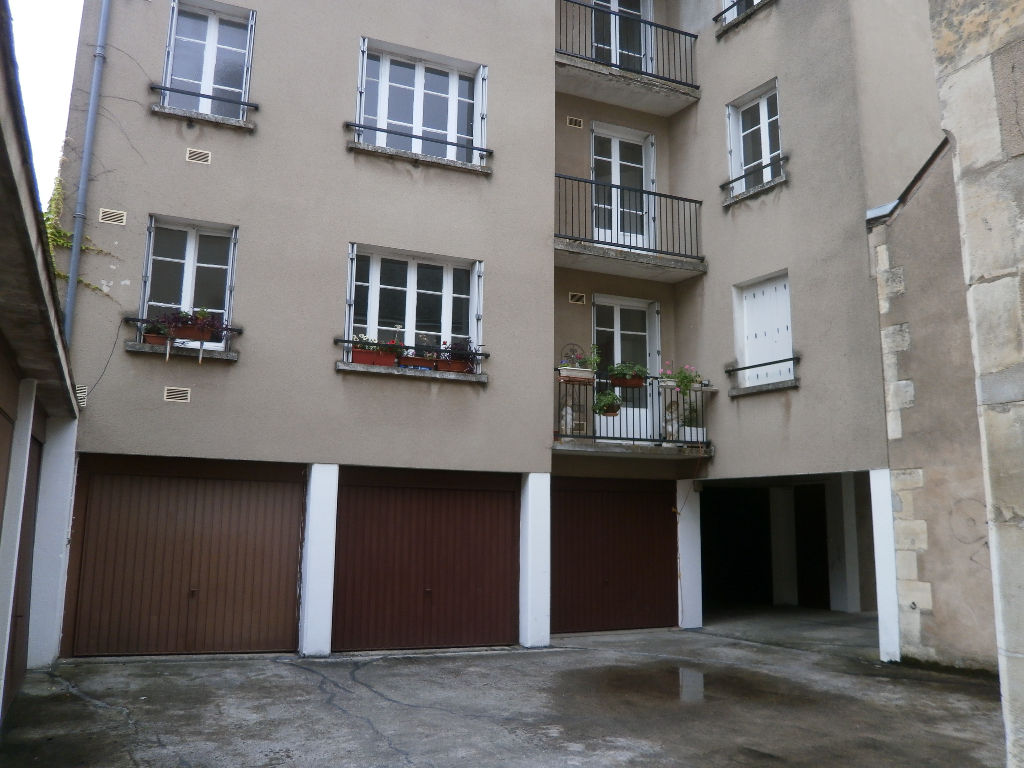 APPARTEMENT 2 PIECES 65 M2 AU 1 ER ETAGE + GARAGE EN SUS