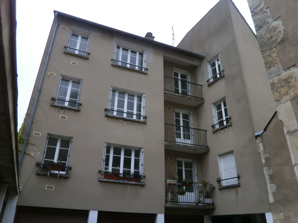 APPARTEMENT 2 PIECES 65 M2  AU 2 EME ETAGE + GARAGE EN SUS