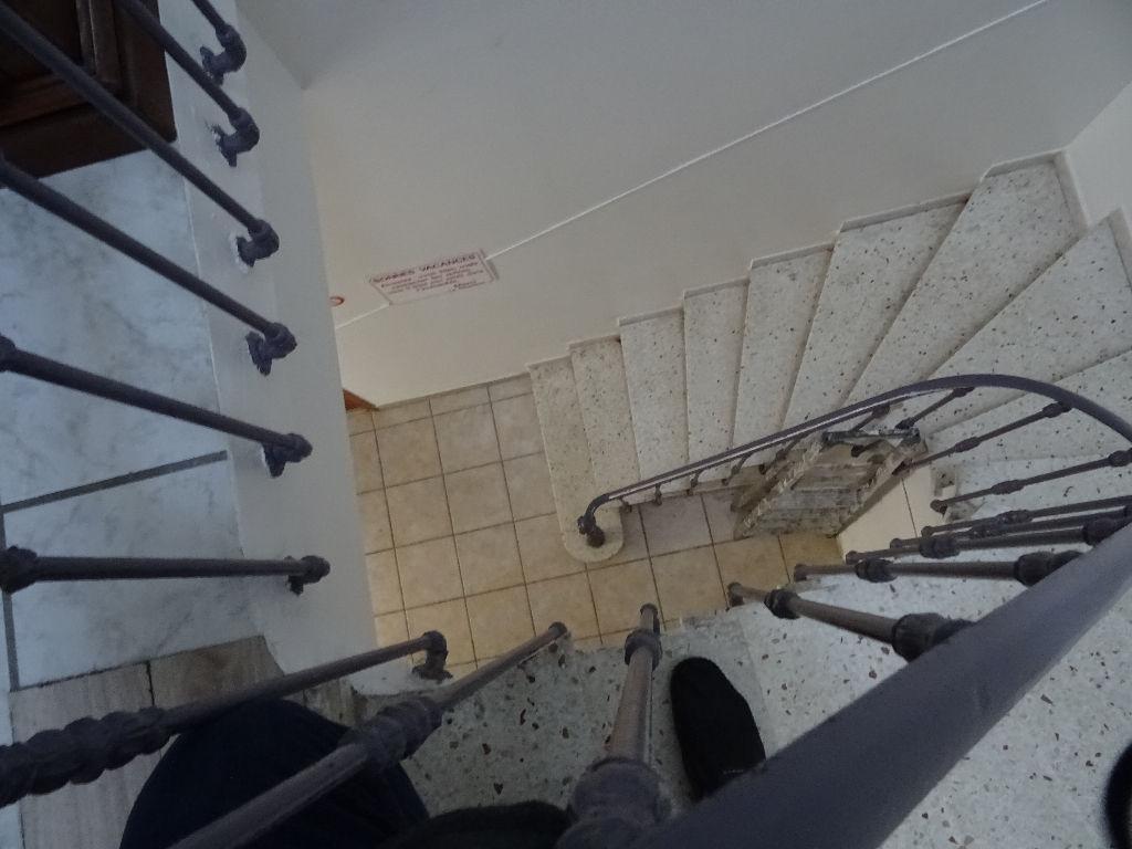 4 STUDIO DANS MAISON DE VILLAGE 120 m2