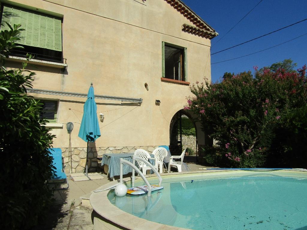 Maison 210 m2 Mollans sur Ouveze 26170 avec piscine et jardin. Contact 0699425308