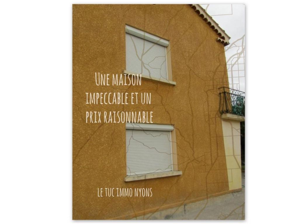 Villa  5 pièce(s) 120 m2 VALREAS  199 000 Euros 0699425308