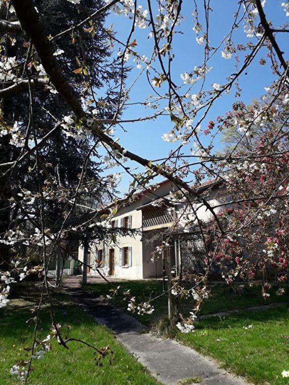 Maison bourgeoise  9 pièce(s) 176 m2 Etat impeccable, endroit calme. 0699425308