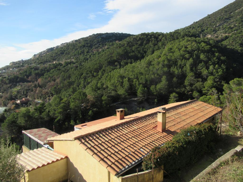 Maison - Appartement  atypique de  72 m2 sur 1000 M2 de terrain boisé. Proche de Nyons sur la colline, vue splendide et calme assuré : 0699425308
